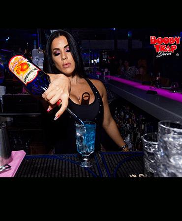 Miami Club striptease